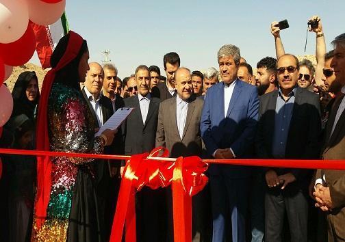 بهره برداری از سالن ورزشی سرآب ننیز با حضور وزیر