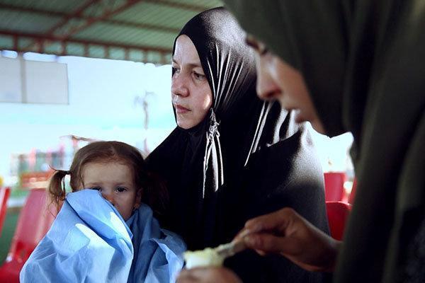 زنانی با گوشواره های باروتی اکران جهانی می گردد