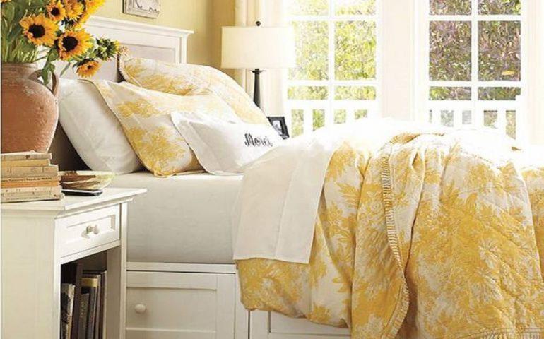 کاربرد رنگ زرد در طراحی دکوراسیون اتاق خواب