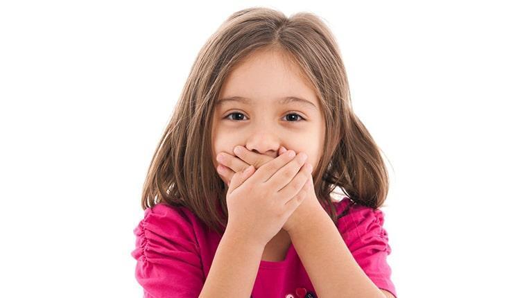 بوی بد دهان بچه ها نشانه چیست و چگونه برطرف می گردد؟