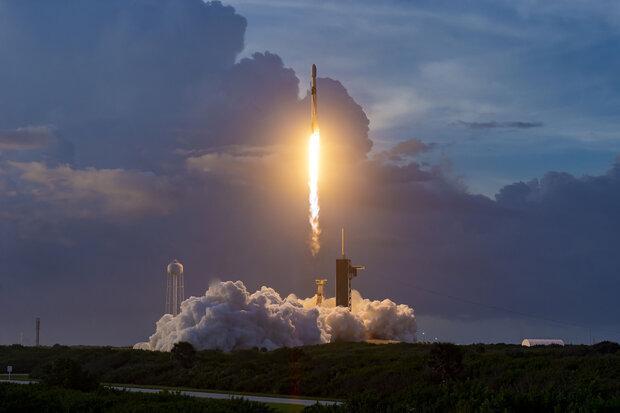 سیزدهمین محموله ماهواره های اینترنتی به فضا رفت